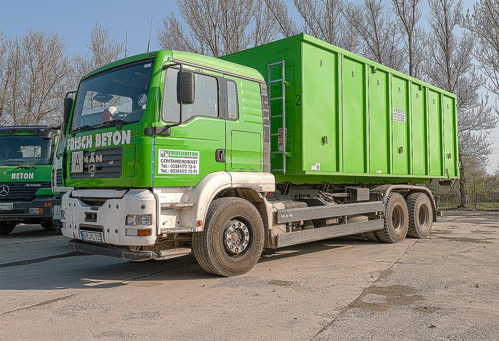 Containerdienst groß